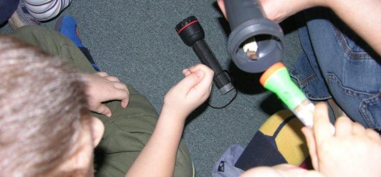 Mali badacze – jak rozwijać myślenie u dwu- i trzylatków?