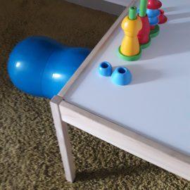 Fizjoterapeuta radzi: jak pracować z zabawkami w żłobku