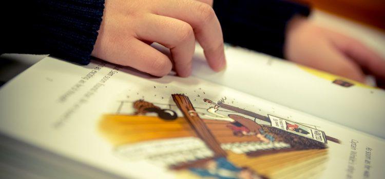Książki mają supermoc – czyli dlaczego warto czytać z małymi dziećmi