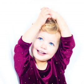 """""""Kamienie milowe"""" rozwoju dziecka do lat trzech w świetle najnowszych badań"""